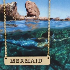 Jewelry - • Gold or Silver tone mermaid necklace •